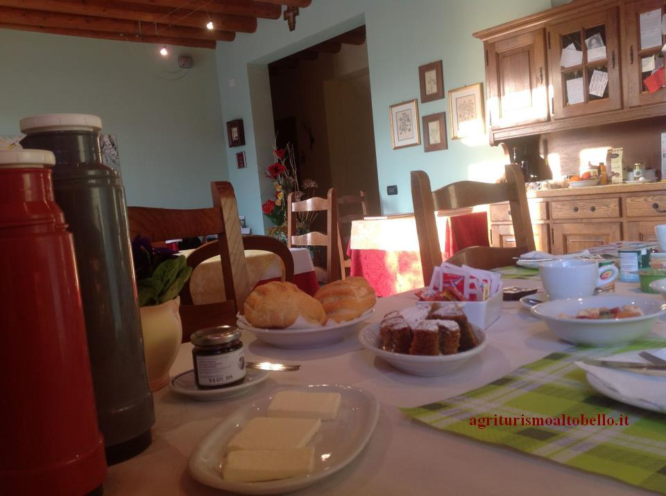Breakfast-Agriturismo-view